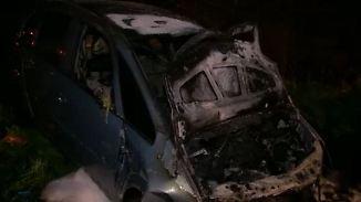 Schwerer Unfall nahe Bonn: Jugendliche retten Mann aus brennendem Autowrack
