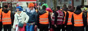 Polizei zieht Zwischenbilanz: Karneval nur vom Regen beeinträchtigt