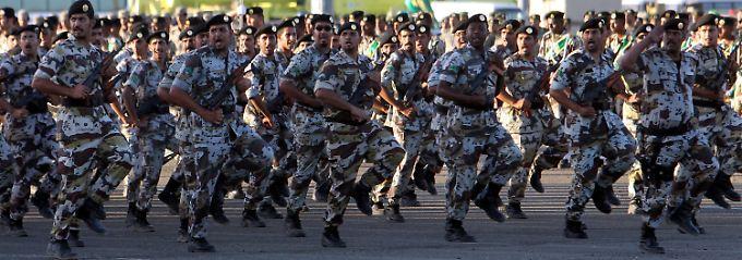 Saudische Truppen sollen sich dem IS entgegenstellen.