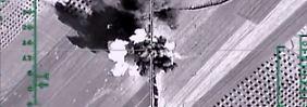 Russische Luftangriffe auf Aleppo: Offensive schlägt Zehntausende in die Flucht