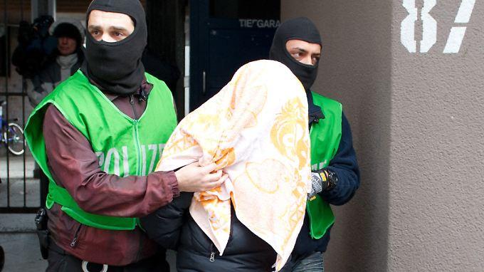 Anschlag am Checkpoint Charlie und Alex?: Nach Terrorrazzien bleiben viele Fragen offen