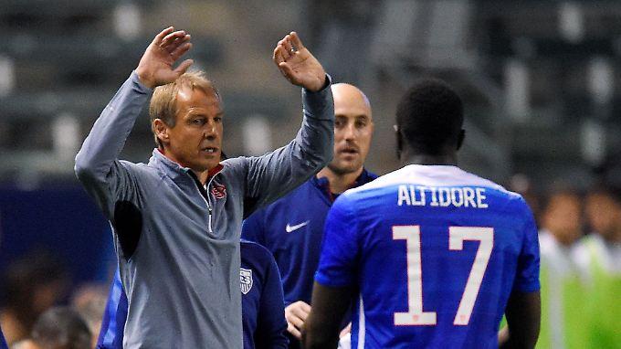 Zum Verzweifeln, die Situation der US-Boys und ihres Trainers Jürgen Klinsmann.