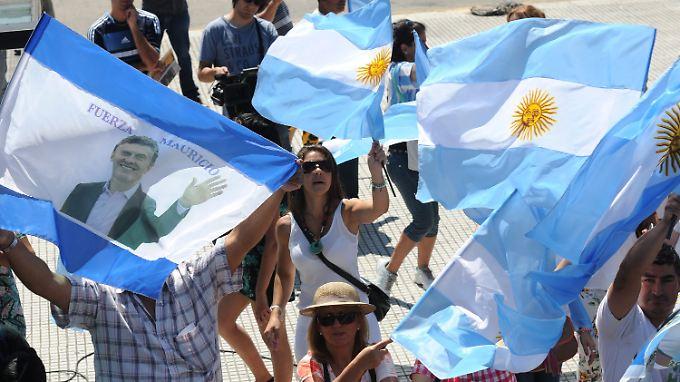Der neue Präsident Mauricio Macri will den Schuldenstreit beenden und Argentinien zurück an die internationalen Finanzmärkte führen.