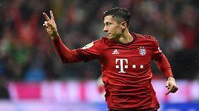 """Zwei Millionen Euro pro Monat fordert Robert Lewandowski nicht ganz. Das von """"AS"""" kolportierte Jahresgehalt liegt aber in der Nähe."""