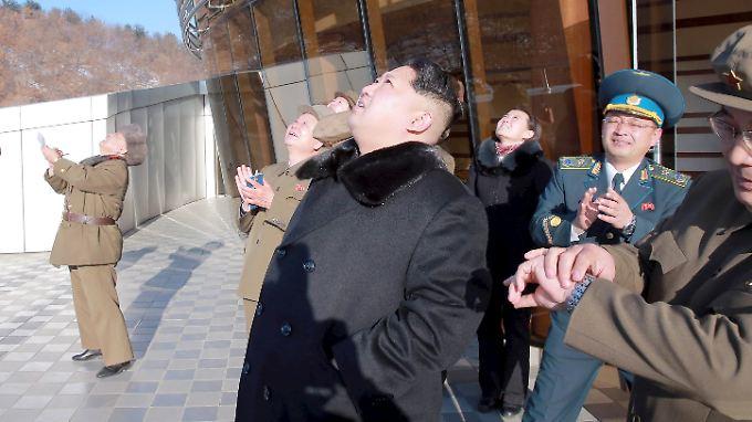 "Japan: ""Verstoß gegen UN-Resolution"": Nordkorea feuert Langstreckenrakete ab"