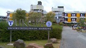 Narkosemittel im Blut: Klinikmitarbeiterin in Marburg soll Baby vergiftet haben