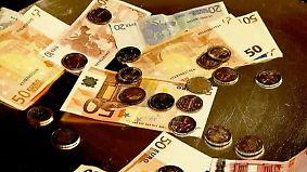 Praktisch, aber nicht ohne Risiko: Was Anlegern ein Sparplan bringt