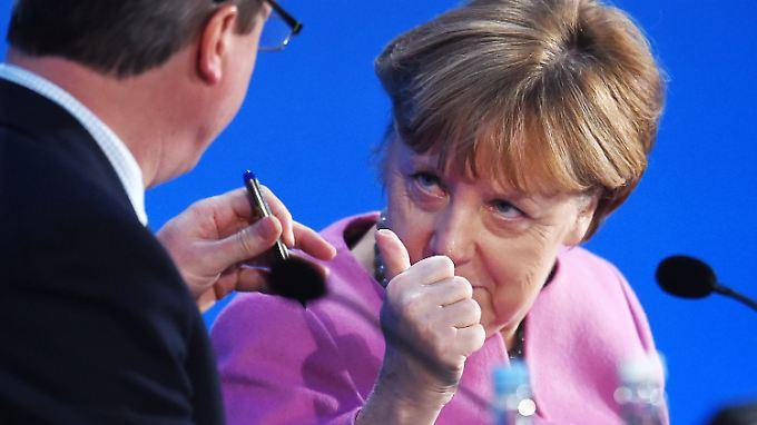 Grund zu guter Launer? Zumindest aus zwei Gründen: Bei der Geberkonferenz für Syrien (im Bild) konnte Kanzlerin Merkel Milliarden mobilisieren und in Umfragen geht es nicht mehr abwärts.
