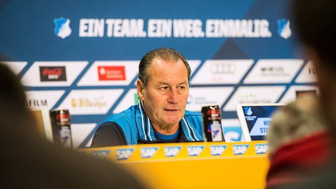 20 Spieltage und 14 Punkte: Stevens wird die Rettungsmission in Hoffenheim nicht erfüllen. Wegen Herzrhythmusstörungen legte er sein Amt nieder.