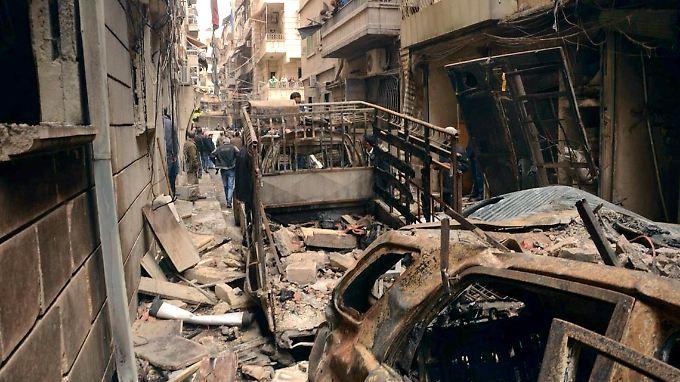 Nach dem Beschuss: Ein Straßenzug in dem einst von Christen und Armeniern bewohnten Stadtteil Suleimaniyeh in Aleppo.
