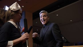 Hollywood-Glanz in Berlin: Clooney nimmt Journalistin auf den Arm