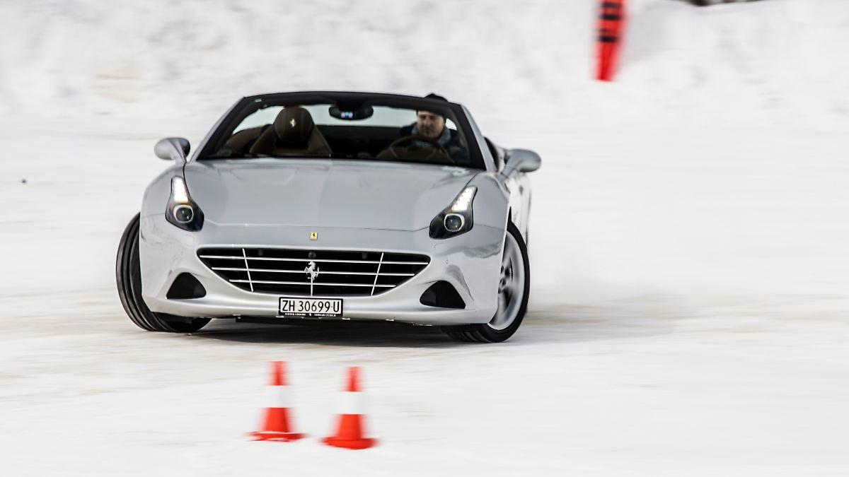 Feuriger Ferrari aufs Glatteis geführt
