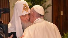 Historisches Küsschen in Havanna: Papst trifft russischen Patriarchen Kirill