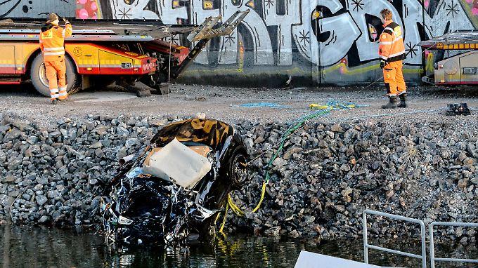 tragischer unfall in schweden indie band st rzt mit auto. Black Bedroom Furniture Sets. Home Design Ideas