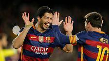 Die Fußballprofis Lionel Messi und Luis Suarez haben mit ihrem  Strafstoßtrick gegen Celta Vigo für Aufsehen gesorgt.