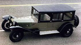 Der Lancia Lambda feierte 1922 seine Weltpremiere auf dem Pariser Automobilsalon.
