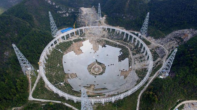 Im Rahmen des internationalen Seti-Projekts soll das neue Teleskop unter anderem bei der Suche nach außerirdischem Leben helfen.