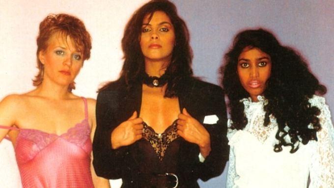 Denise Matthews (M.) und ihre beiden damaligen Mitstreiterinnen bei Vanity 6.