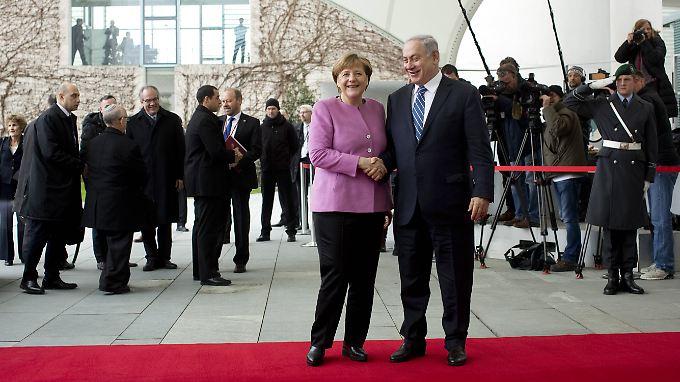 Viel Diskussionsbedarf mit Merkel: Netanjahus Besuch versetzt Berlin in Ausnahmezustand