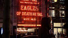 Eagles of Death Metal in Paris: Sänger Hughes fordert Waffen für alle