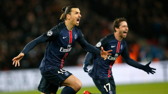 Zlatan Ibrahimovic brachte Paris gegen Chelsea per abgefälschtem Freistoß mit 1:0 in Führung.