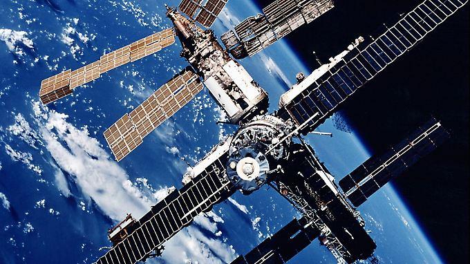 """Die Inneneinrichtung stammt aus der Steinzeit der Raumfahrt, fand Astronaut Thomas Reiter, der 1995 auf der """"Mir"""" war."""
