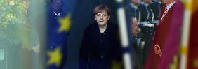 Kanzlerin allein auf weiter Flur: Merkel köchelt die Flüchtlingskrise runter