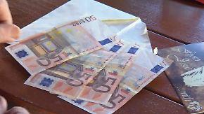 50-Euro-Scheine mit Bibelvers: Unbekannter verschenkt Geld an Bewohner von Bünde