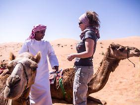 Die Reisebloggerin unterwegs in der Wüste.