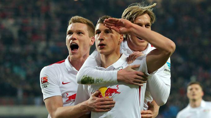 Die Bundesliga zum Gruß: RB Leipzig ist weiter auf Kurs Fußball-Oberhaus.