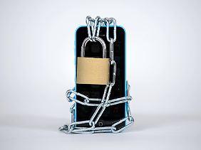 Ein totales Verbot von privaten Mobilfunkgeräten ist wenig zielführend.