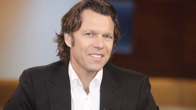 Ex-Schiedsrichter Urs Meier geht hart mit Bayer-Coach Roger Schmidt ins Gericht.