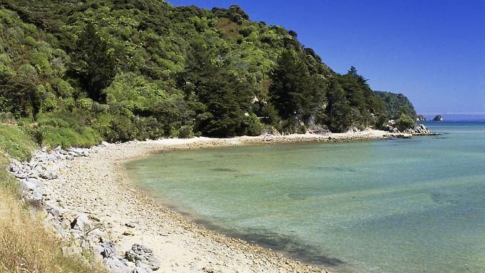 Dieser schöne Strand in der Awaroa-Bucht ist nun für die Öffentlichkeit zugänglich - auf Dauer.