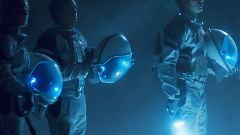 Wieso liegt der Bunker nicht mehr unter der Erde? War das Experiment nur eine Täuschung? Hat die Crew die Erde bereits verlassen?