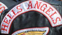 Streit um Parkplatz eskaliert: Hells Angels prügeln sich mit Großfamilie