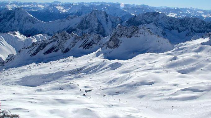 Auf den Gletschern können Skifahrer länger die weiße Pracht genießen.