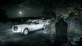 Mehr als 10- 15.000 Pfund muss man für die letzte Reise im Rolls-Royce samt entsprechender Begleitflotte nicht bezahlen.