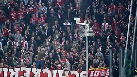 Für fünf Bayern-Fans war das Spiel in Turin möglicherweise das letzte für lange Zeit, dass sie sich im Stadion angucken konnten.