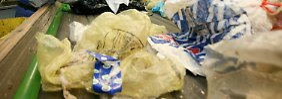 Schwieriges Recyclinggeschäft: Plastikabfälle sind teurer als Öl