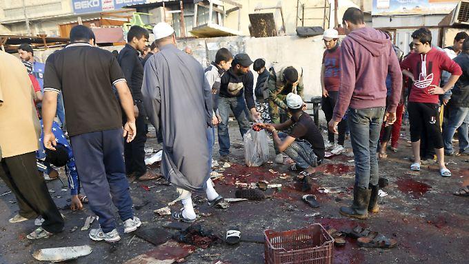 Im Bagdader Stadtteil Sadr City nach einem der beiden Anschläge.