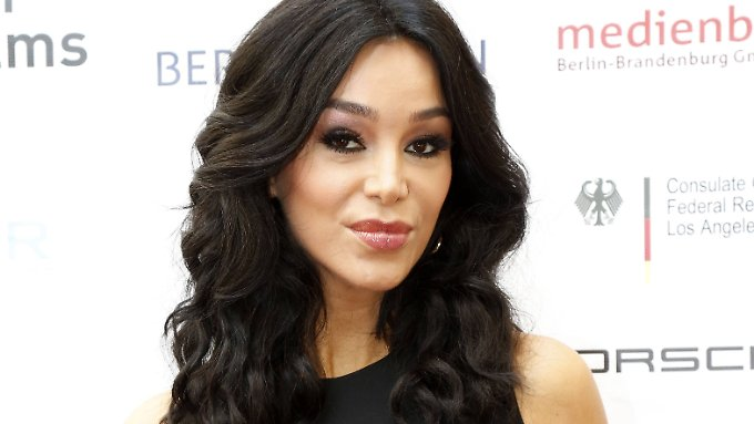 Hey, ist das nicht Kim Kardashians Schwester? Nein, das ist Verona Pooth.