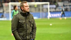 Trainer angezählt?: Verunsicherte Schalker treffen auf HSV