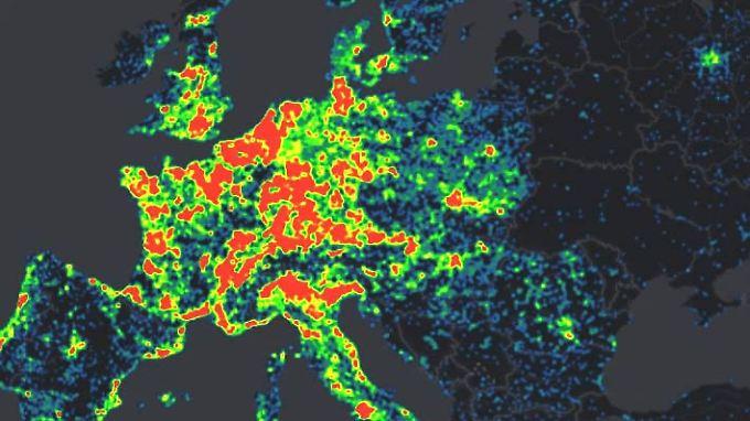 Big Data: Microsofts Cybercrime Center kann in Echtzeit weltweit ablaufende Malware-Attacken grafisch darstellen.
