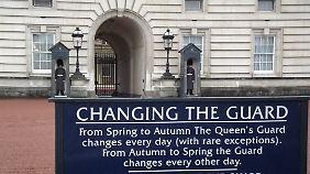 """Auch im Regen ist der Buckingham Palace ein """"Muss""""."""