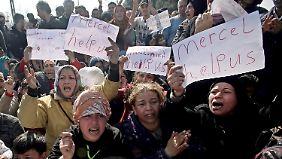 """""""Öffnet die Grenze"""": Lage der Flüchtlinge in Idomeni wird immer dramatischer"""