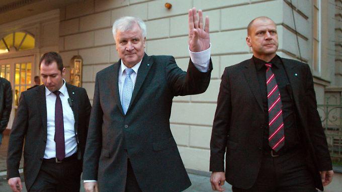 Horst Seehofers Besuch in Budapest fällt mitten in den Wahlkampf für die Landtagswahlen. Hier ist er in Halle.
