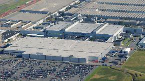 Stellenabbau nach Abgas-Skandal?: VW-Mitarbeiter machen sich Sorgen um die Zukunft