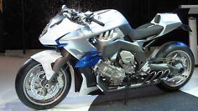 """Vergleichsweise schnell ging es mit der BMW-Studie """"Concept 6"""". Die K 1600 GT kam schon 2010."""