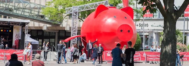Baugeld, Lebensversicherung, Aktien: Von den Niedrigzinsen profitieren