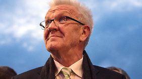 """Stürzt eine """"Deutschlandkoalition"""" den extrem beliebten Winfried Kretschmann?"""
